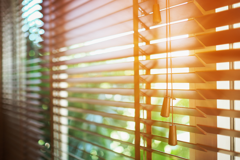Sunlit blinds - Conservatory insulation